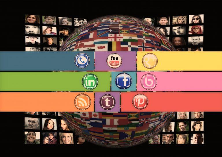Social Media Communicators