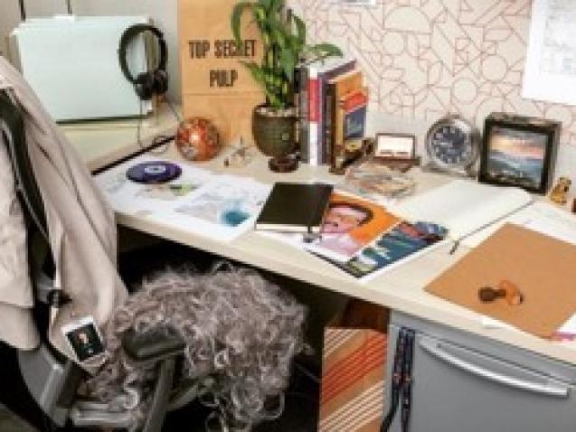 Intel Operatives Desk
